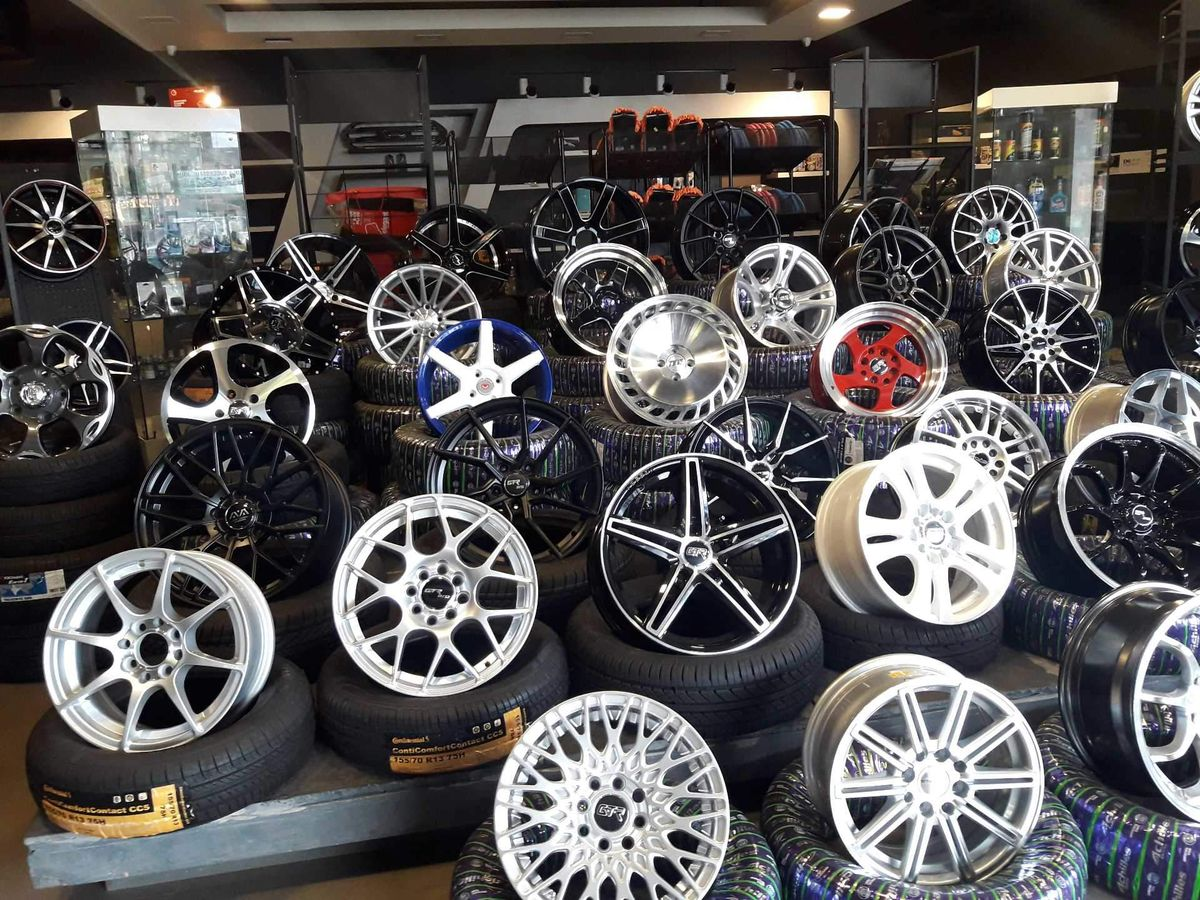 Types Of Wheels Explained: Alloy, Steel And Chrome